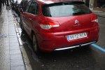 czerwony Citroën